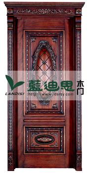 深雕扣线雕花实木烤漆门,美观且上档次,价格昂贵但工艺精